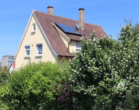 VERKAUFT! Freistehendes Einfamilienhaus mit sonnigem Grundstück (Obj. 959H00)