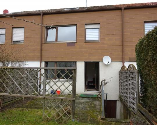VERKAUFT! Vermietetes Einfamilien-Reihenhaus in Oberkochen-Heide (Obj. 973H00)