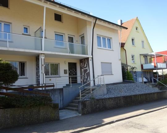 VERKAUFT! Einfamilien-Doppelhaushälfte mit Aussichtsbalkon (Obj. 964H00)