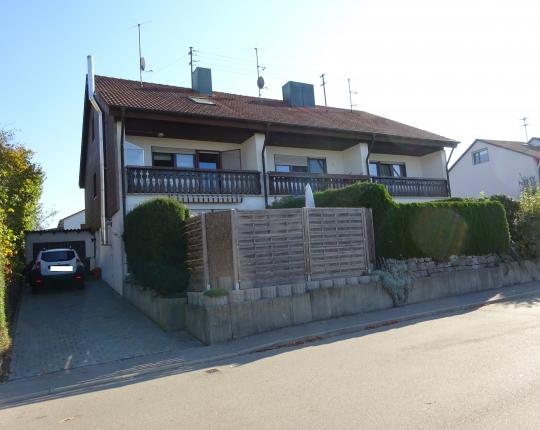 VERKAUFT! Familienfreundliches Einfamilien-Reiheneckhaus in Aalen-Dewangen (Obj. 988H01)