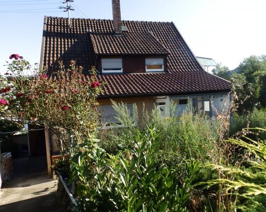 VERKAUFT! Freistehendes, gepflegtes Einfamilienhaus in Aalen-Wasseralfingen (Obj. 1065H00)