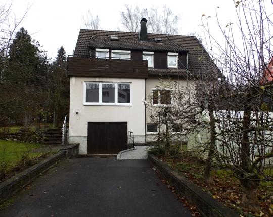 Verkauft! Freistehendes Zweifamilienhaus in Aalen-Tännich (Obj. 1071H00)